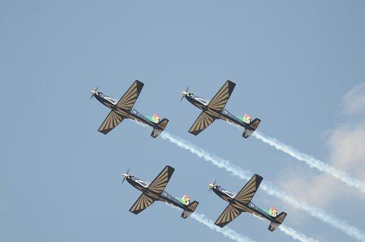 Silver Falcons, Aerobatics, Aeroplanes