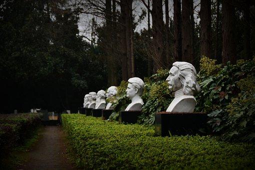 Celebrity Forest, Einstein, Marie Curie