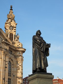 Martin Luther, Martin Luther Monument, Statue