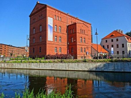 Red Granary, Bydgoszcz, Mill Island, Poland, Building