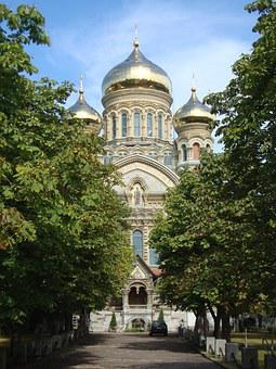 Russian Orthodox Church, Wealth, Gold, Frontal View