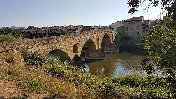 Jakobsweg, Camino, Puente La Reina, Pilgrim, Spain