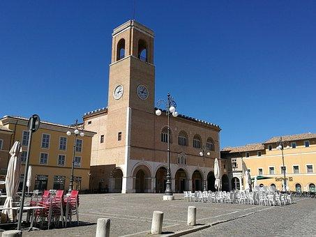 Duomo, Piazza, Fano