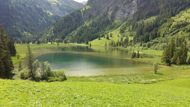 Lake Lauenen, Hiking, Lake, Trail