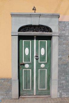 Front Door, Memorabilia, Facade, Input Range
