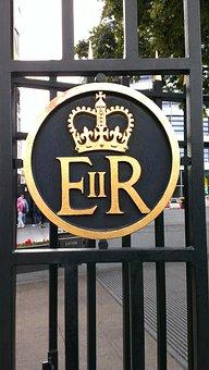 London, Queen Elizabeth, Royal Coat Of Arms