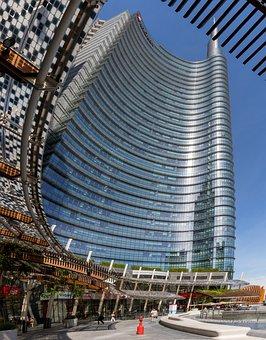 Unicredit Tower, Piazza Gae Aulenti, Milan