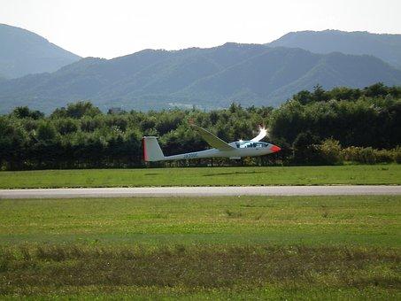 Hokkaido, Takikawa, Glider, Dry Riverbed, Landing