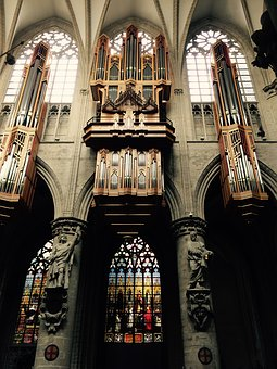 Piano, Cathedral, Brussels
