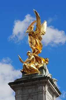 London, Queen Victoria Monument, Buckingham Palace