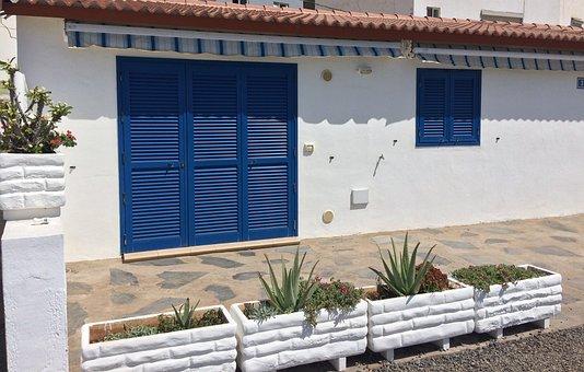 House, White, Flowers, Beach, Blue, Building