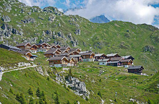 Switzerland, Valais, Blatten, Feriemhaus Settlement