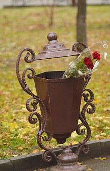 Roses, Flowers, Flowers In An Urn, Did Not Come