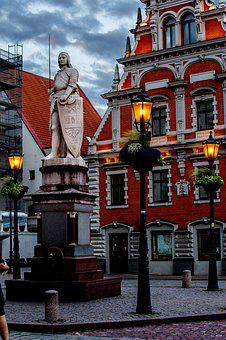 Riga, The House Of The Blackheads, Town Hall Square