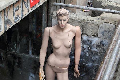 Turkey, Istanbul, Mannequin, Abused, Beaten, Damaged