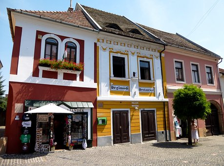 Hungary, Szentendre, Colorful Facade, Monument