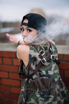 Vaping, Vaping Girl, Vaping Model, Pretty Girl, Ecig