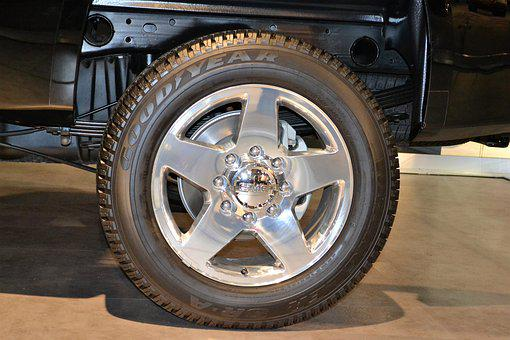 Suv Rear Tire, Goodyear Tire, Range Rover, Wheel, Light