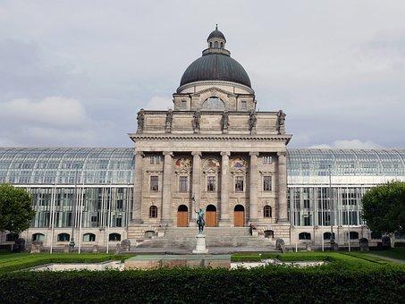 Courtyard Garden, State Chancellery, Architecture